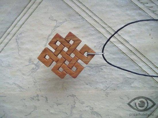 kak-vybrat-talisman-amulet-uzel-udachi