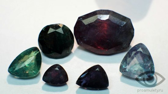 aleksandrit-kamen-svojstva-kachestvo-ogranki