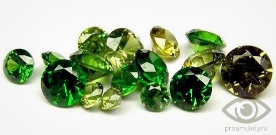 zeljonyj-alpanit-kamen-iskusstvennyj-izumrud