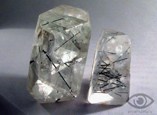 prozrachnyj-fljuorit-kamen-svojstva