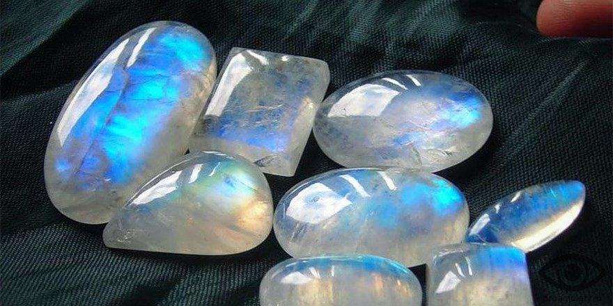 камни воздушной стихии