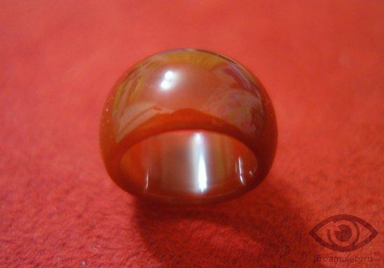 kolco-persten-serdolik-kamen-magicheskie-svojstva