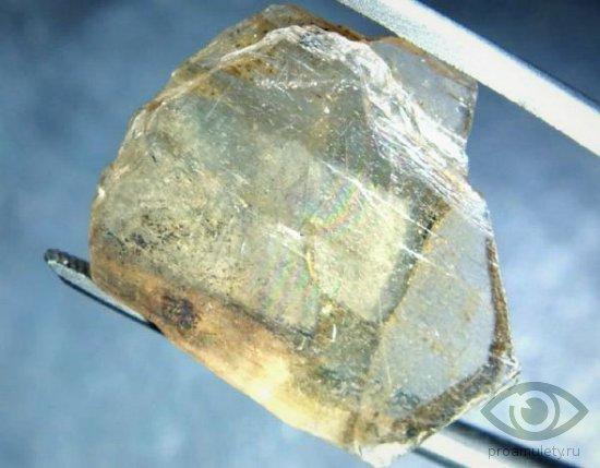gidrotermalnyj-sultanit-kamen-svojstva