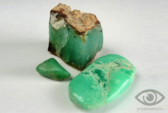 hrizopraz-kamen-svojstva-znak-zodiaka-kristall-kaboshon