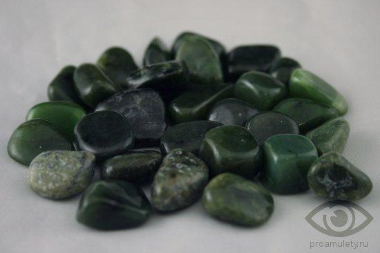 nefrit-kamen-magicheskie-svojstva-znak-zodiaka-vesy