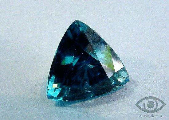 sinjaja-shpinel-kamen-svojstva