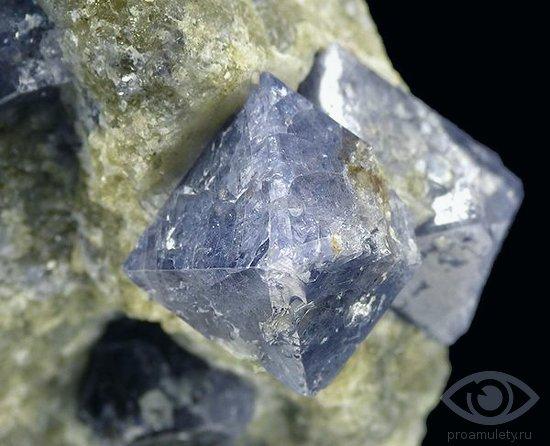 sinteticheskaja-shpinel-kamen-svojstva-kristall-priborostroenie