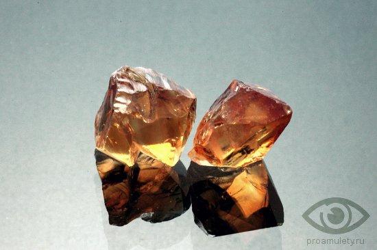 citrin-kamen-magicheskie-svojstva-znak-zodiaka-oven-rak-vodolej-bliznecy
