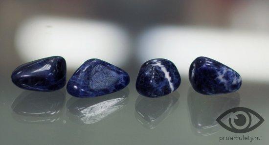 sodalit-kamen-lechebnye-svojstva-litoterapija