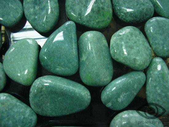 zhadeit-kamen-svojstva-znak-zodiaka-kozerog