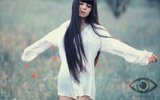 фото девушки брюнетки с длинными волосами