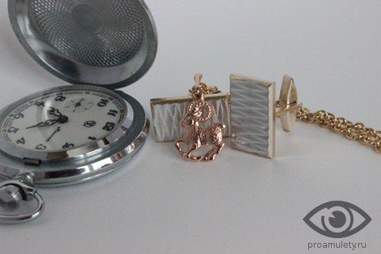 karmannye-chasy-muzhskie-zaponki-i-zolotoj-kulon-oven