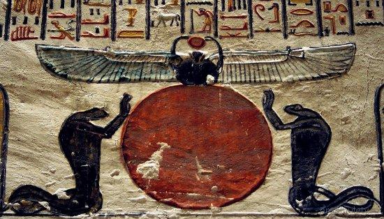 izobrazhenie-solnca-bog-hepri