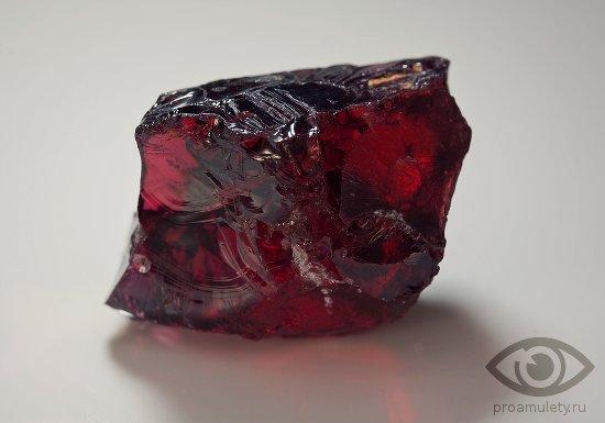 neobrabotannyj-rubin