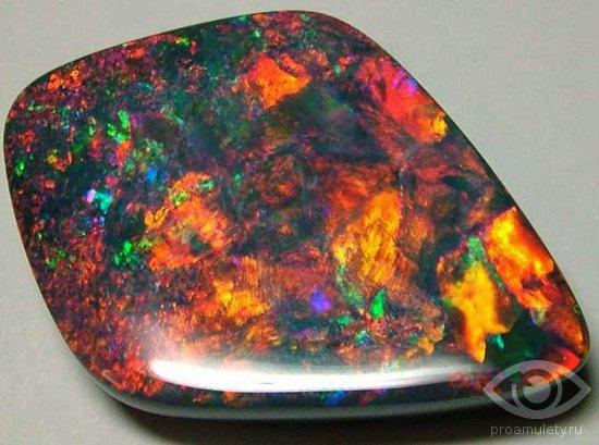 opal-kamen-kozerog-zodiak