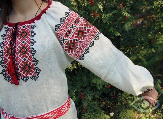 slavyanskie-oberegi-dlya-zhenshin-na-odezhde-vyshivka