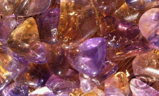 ametrin-kamen-zodiak-cvetnoe-steklo