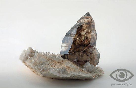 rauhtopaz-kamen-svojstva-buddizm
