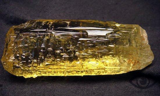 berill-kamen-svojstva-geliodor-kristall