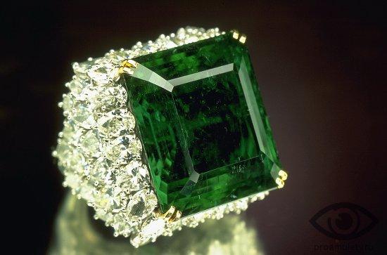 zambijskij-izumrud-kamen-svojstva