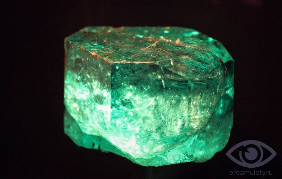 izumrud-kamen-svojstva-stoimost-cena