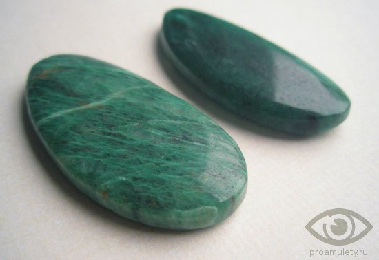 nefrit-kamen-lechebnye-svojstva-litoterapija