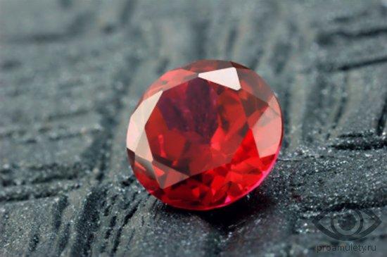 rubin-kamen-svojstva