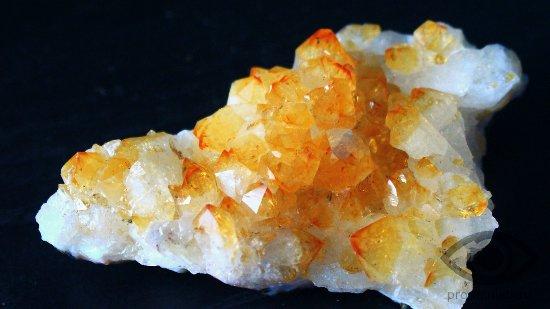 citrin-kamen-svojstva-kristall