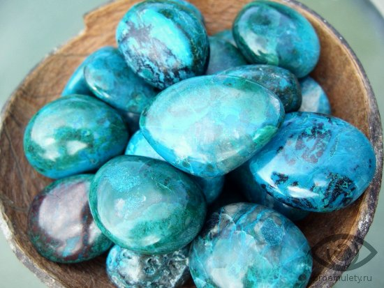 hrizokolla-gladkie-kamni-svojstva-tajny-mirozdanija