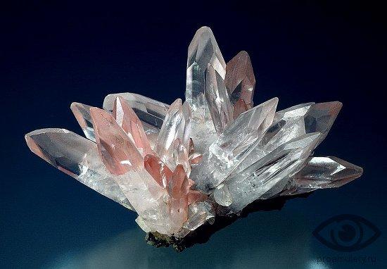 kvarc-kamen-svojstva-kristall-shestigrannyj