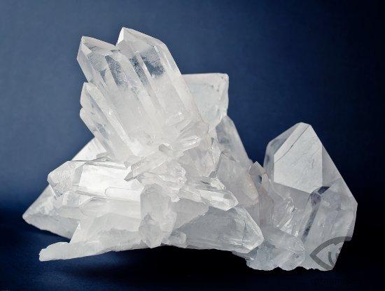 kvarc-kamen-svojstva-gornyj-hrustal