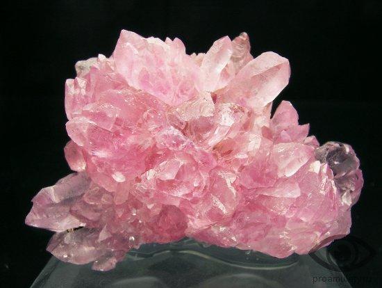 rozovyj-kvarc-kamen-svojstva