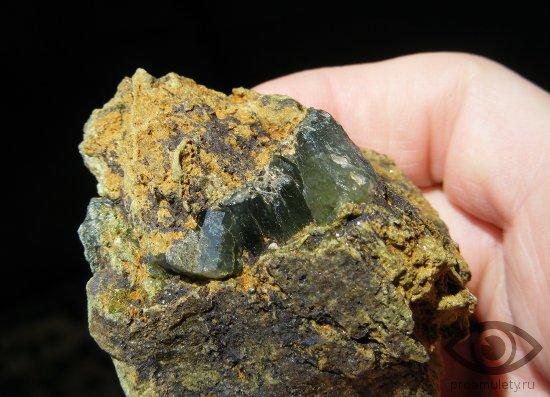 zeljonyj-kvarc-kamen-svojstva-prazem