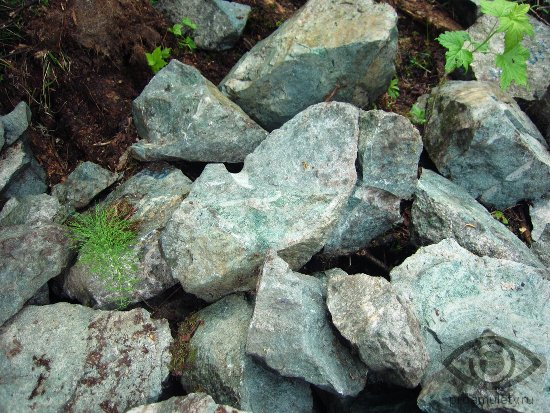 zhadeit-kamen-lechebnye-svojstva-besplodie-impotencija