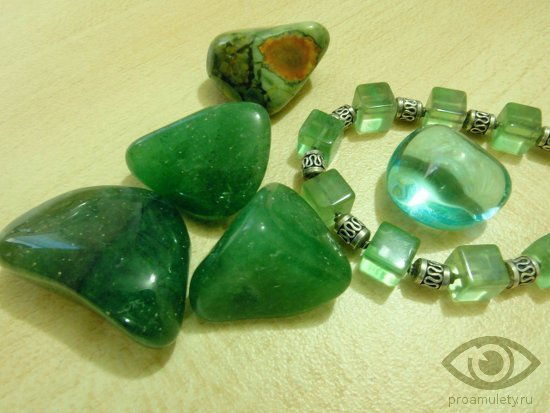 zhadeit-kamen-svojstva-magija-busy