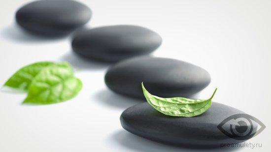 chernyj-oniks-kamen-lechebnye-svojstva-litoterapija