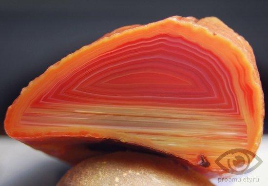 oniks-kamen-svojstva-sardoniks