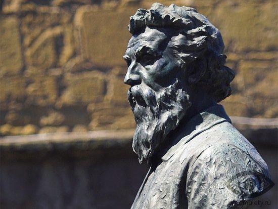 oniks-kamen-svojstva-benvenuto-cellini-statuja