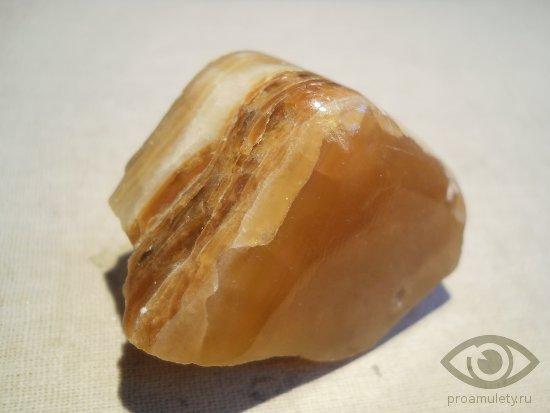 oniks-biblejskij-kamen-svojstva