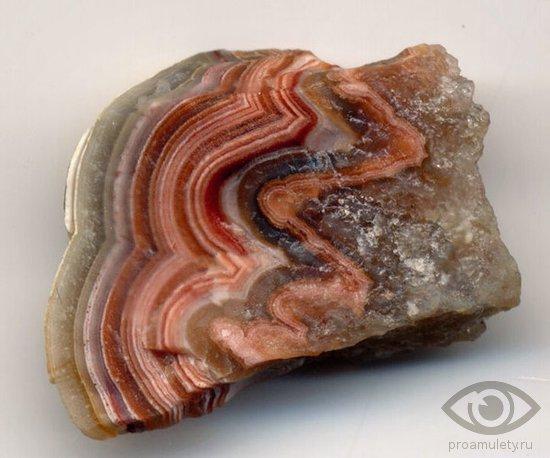 oniks-kamen-svojstva-znak-zodiaka-stihija-zemli