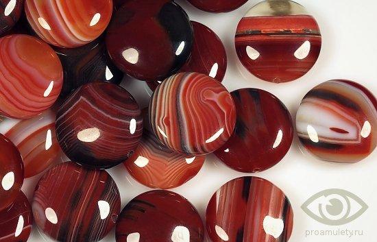 sardoniks-kamen-svojstva-poddelka-imitacija-busy