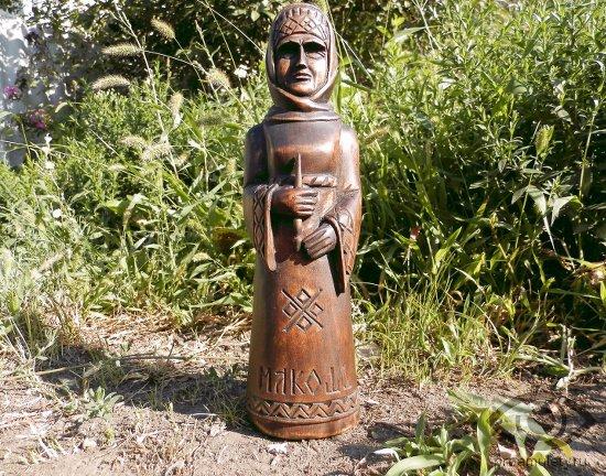 boginja-makosh-statujetka