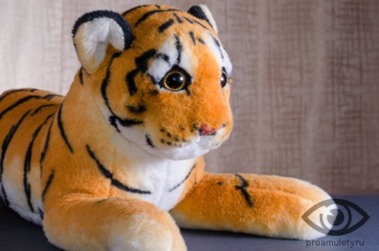 pljushevaja-igrushka-tigr