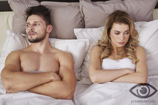 vlyublyonnaya-para-v-posteli-vozderzhanie-ot-seksa